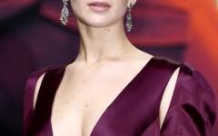 Jennifer-Lawrence-Hunger-Games-Mockingjay-World-Premiere-Dior-Dress