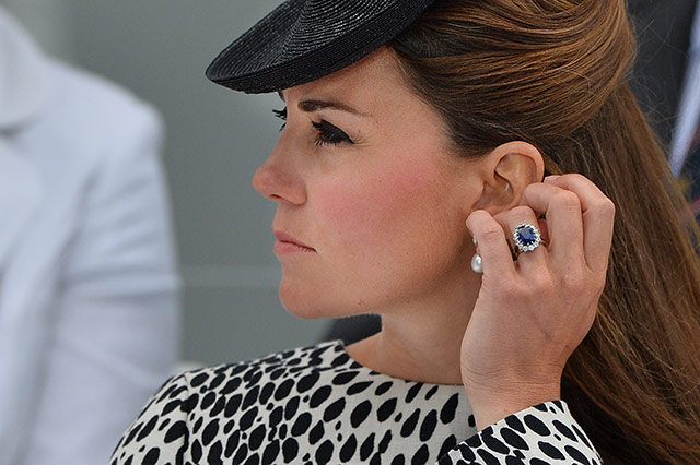 the-duchess-of-cambridge-is-all-class-with-this-earring-check