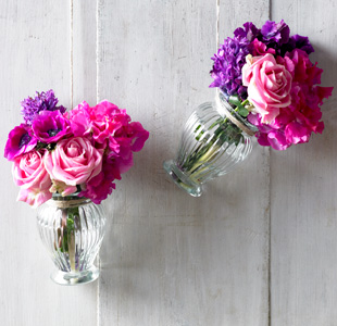 wedding-flowers-bright-and-vibrant-bouquets