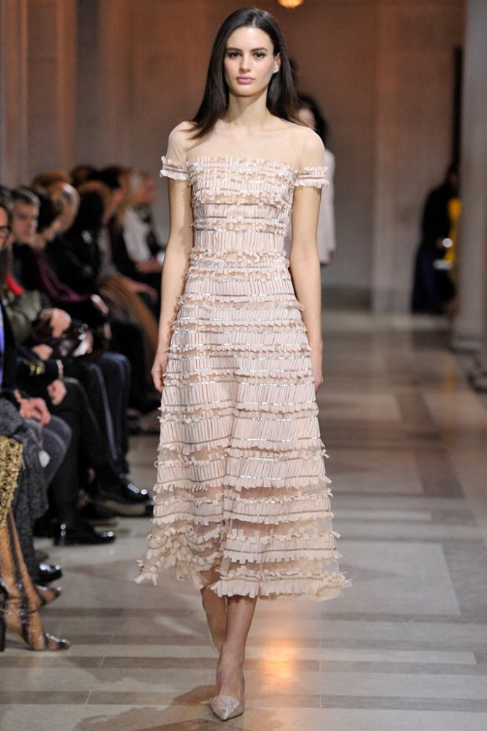 Carolina-Herrera-2016-Fall-Winter-Runway15