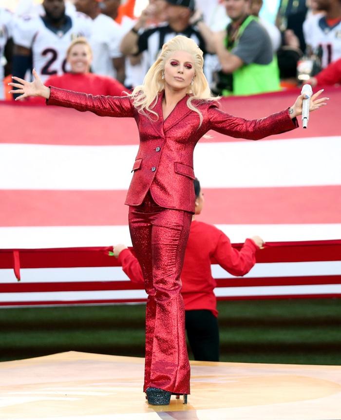 Lady-Gaga-Red-Gucci-Pantsuit-2016-Super-Bowl