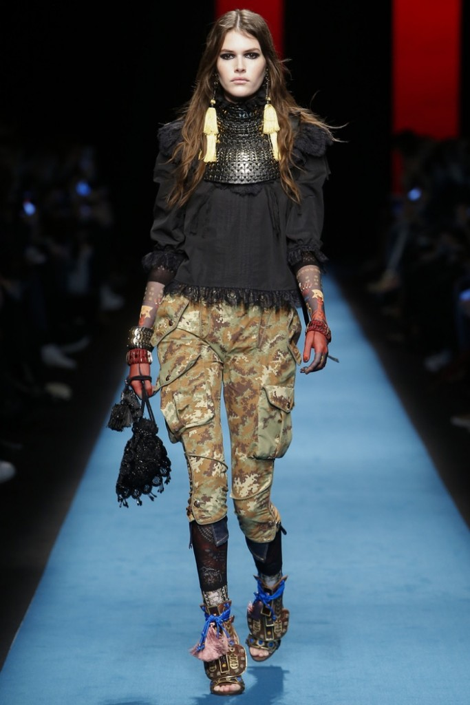 DSquared2-2016-Fall-Winter-Runway01