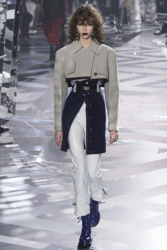 Louis-Vuitton-2016-Fall-Winte-Runway12