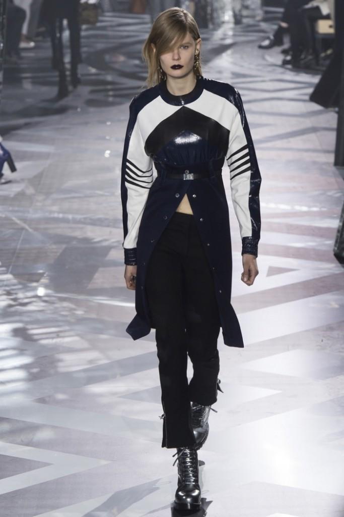 Louis-Vuitton-2016-Fall-Winte-Runway14
