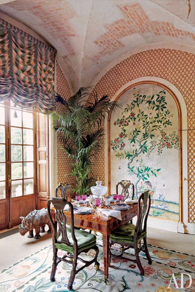 dam-images-celebrity-homes-2013-celebrity-dining-rooms-celebrity-dining-rooms-04-valentino