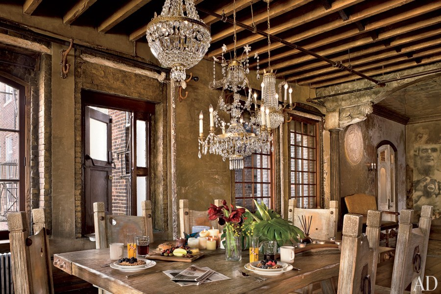 dam-images-celebrity-homes-2013-celebrity-dining-rooms-celebrity-dining-rooms-11-gerard-butler