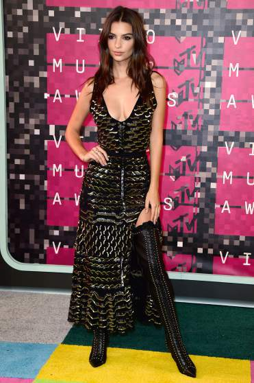 LOS ANGELES, CA - AUGUST 30:  Actress-model Emily Ratajkowski attends the 2015 MTV Video Music Awards at Microsoft Theater on August 30, 2015 in Los Angeles, California.  (Photo by Frazer Harrison/Getty Images)
