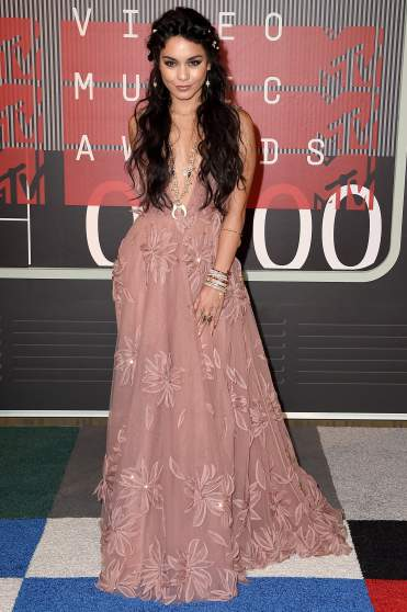 LOS ANGELES, CA - AUGUST 30:  Actress/singer Vanessa Hudgens attends the 2015 MTV Video Music Awards at Microsoft Theater on August 30, 2015 in Los Angeles, California.  (Photo by Steve Granitz/WireImage)