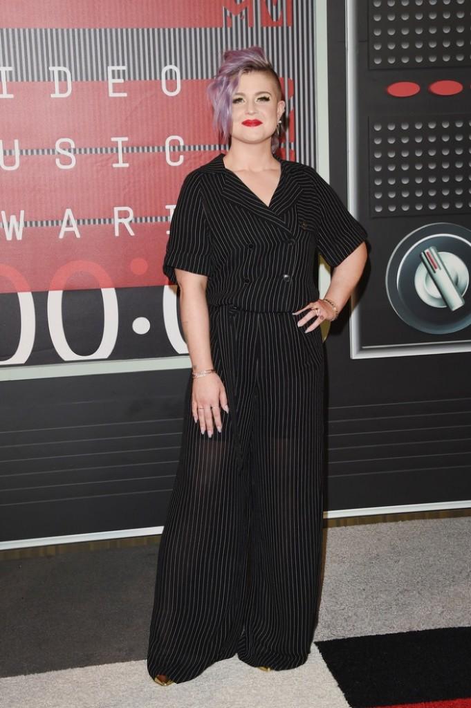 Kelly-Osbourne-2015-MTV-VMas-Gabriela-Cadena-Jumpsuit