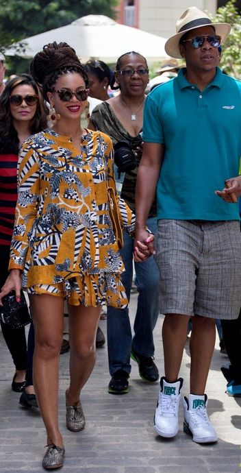 beyonce-jay-z-celebrate-fifth-anniversary-in-havana-w352