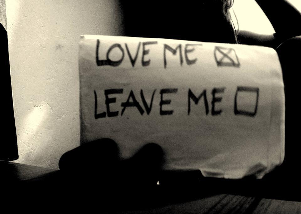 black-and-white-break-broken-heartbreak-leave-Favim.com-338734