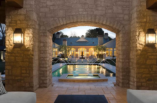 kim-kardashian-kanye-west-20-million-mansion-4-640x422