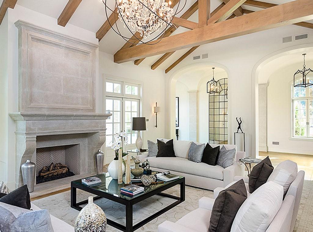 rs_1024x759-140807113406-1024.living-room.cm.10714