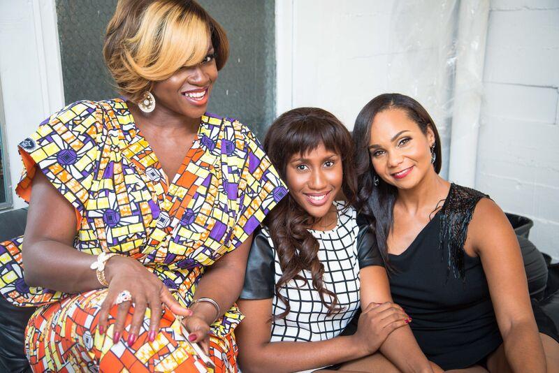Waje with Emerald and Beth Payne