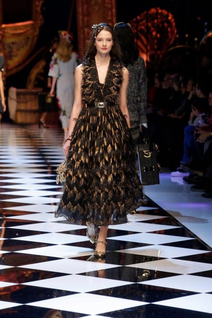 Dolce-Gabbana-2016-Fall-Winter-Runway46
