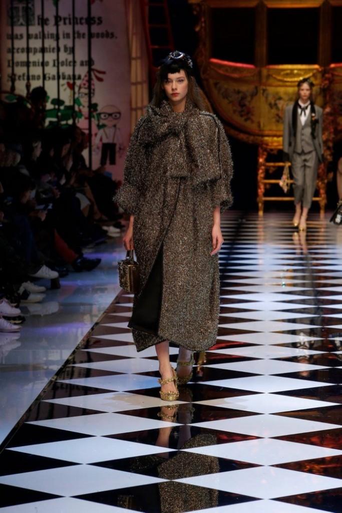 Dolce-Gabbana-2016-Fall-Winter-Runway54