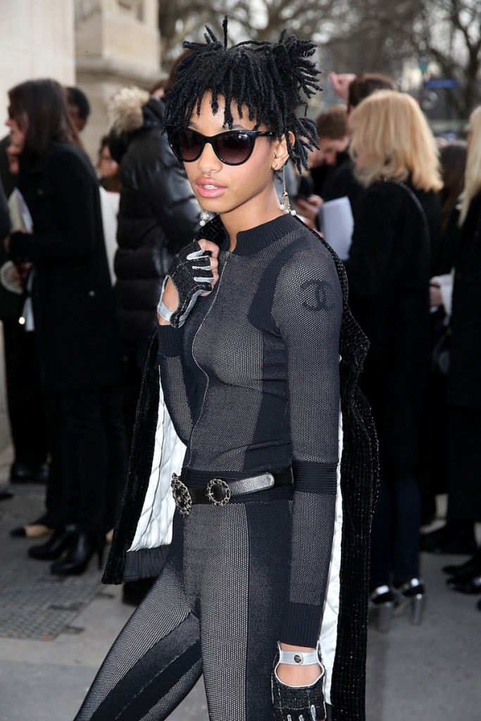 Willow-Smith-Chanel-Fall-2016-Show03