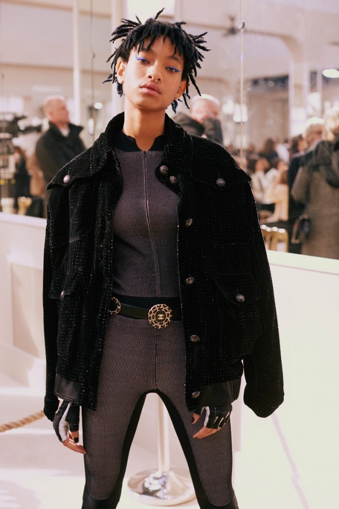 Willow-Smith-Chanel-Fall-2016-Show04