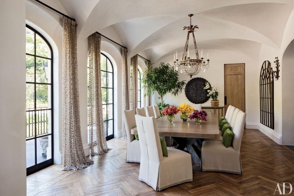 celebrity-dining-room-02