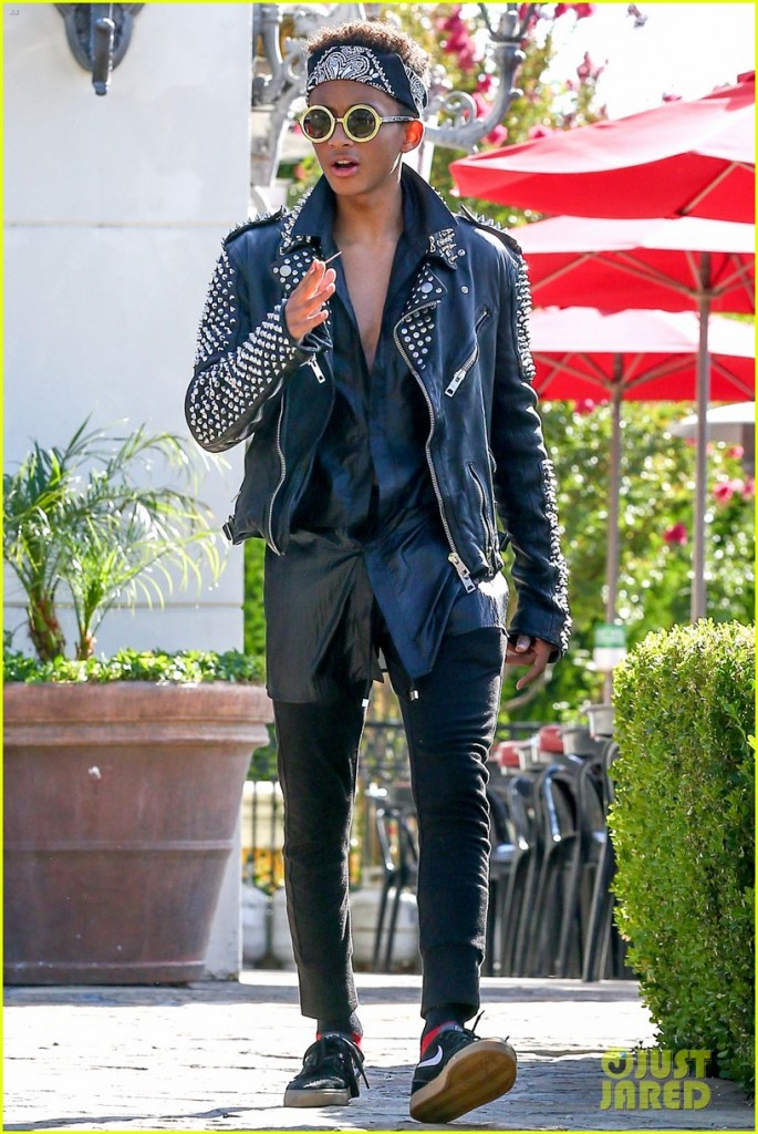 jaden-smith-rocker-chic-outfit-for-sugarfish-dinner-01