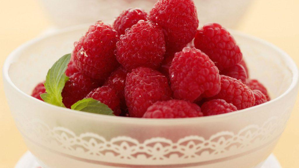 fresh-raspberry-in-bowl-HD